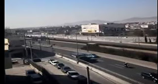 Χαμός στην εθνική οδό Αθηνών Λαμίας με φορτηγό που κινείται ανάποδα ➤➕〝📹ΒΙΝΤΕΟ〞