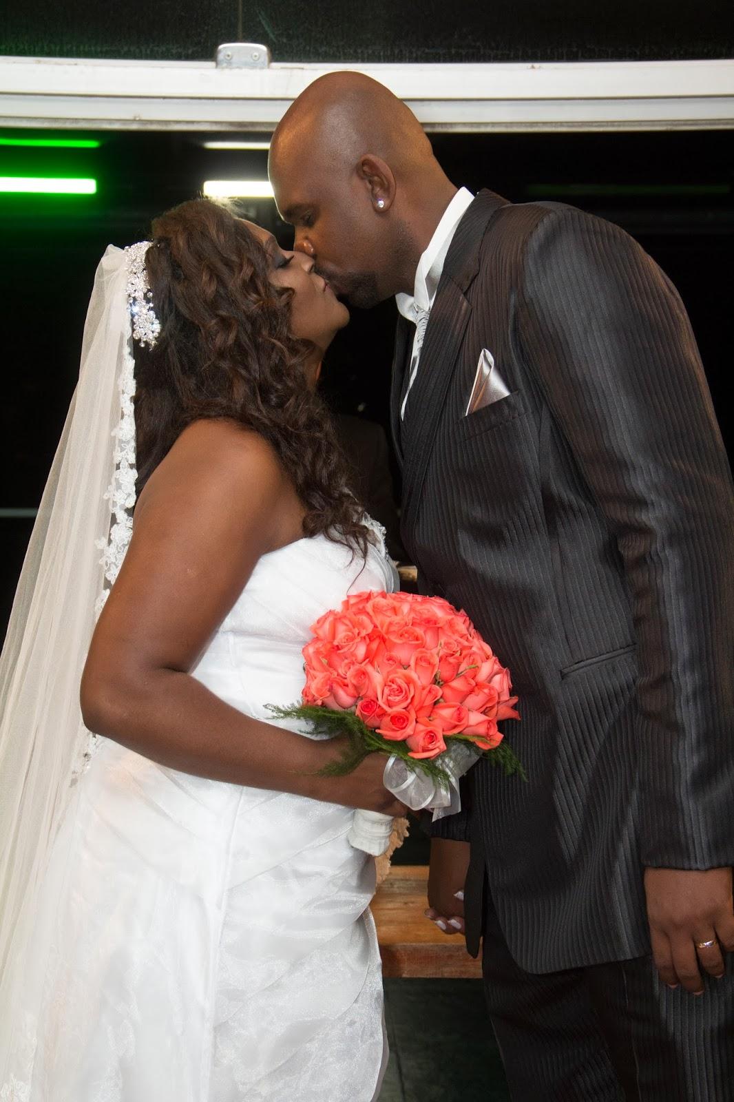 historia-amor-fe-cerimonia-beijo-1