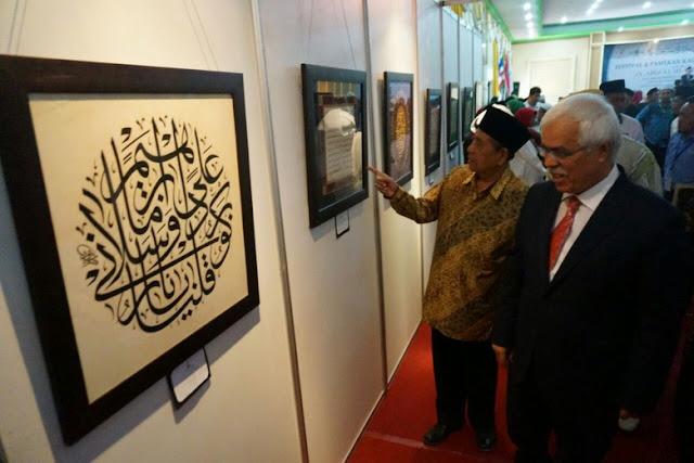 120 Peserta Luar Negeri Ramaikan Festival Kaligrafi Hari Santri di Jombang