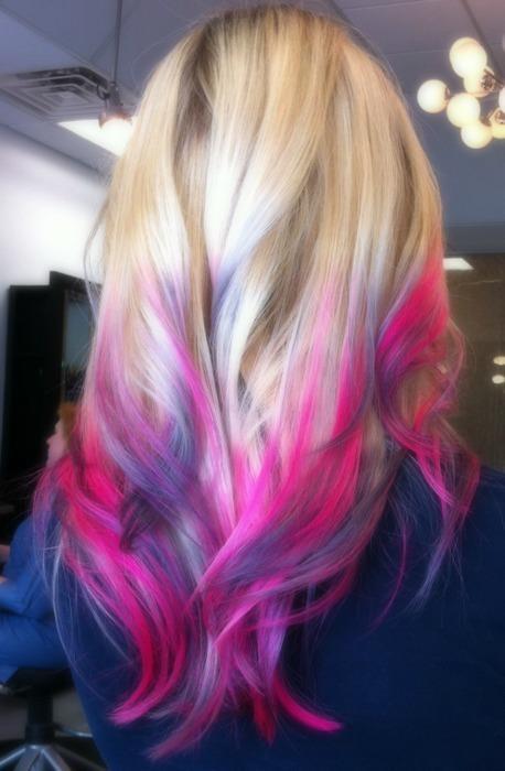 blaue spitzen haare