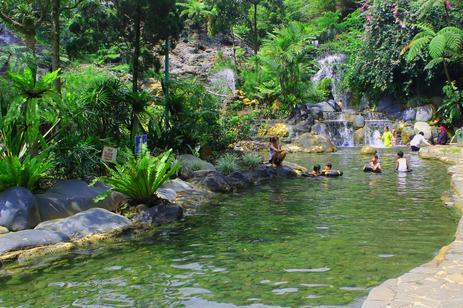 Tempat wisata air panas ciater di lembang bandung