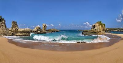 Pantai Klanyar di Pacitan, Pesona indah indonesia punya