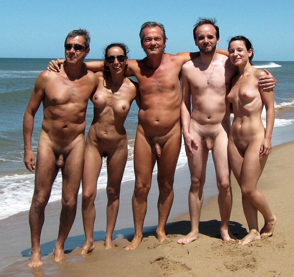 Pelados Em Pblico, Na Praia E Com Amigos  Casais Em -9299
