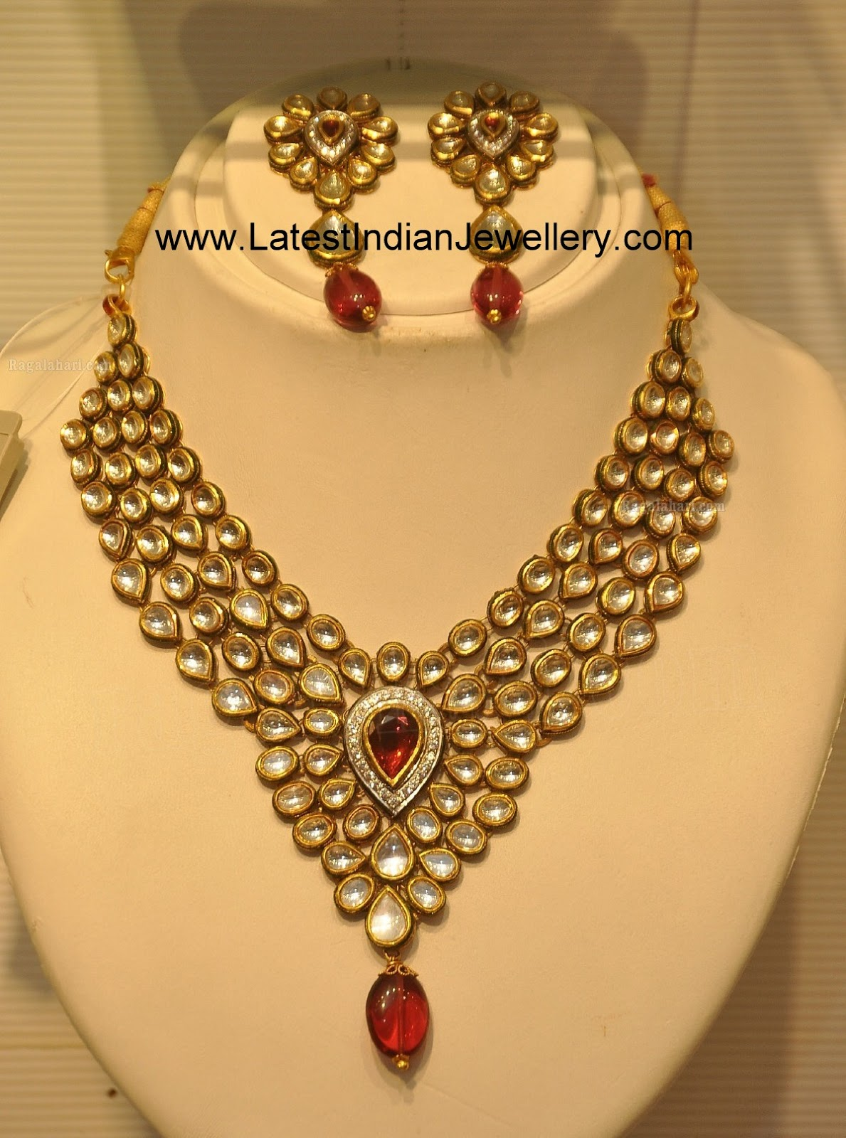 Heavy Kundan Designer Bridal Set Design