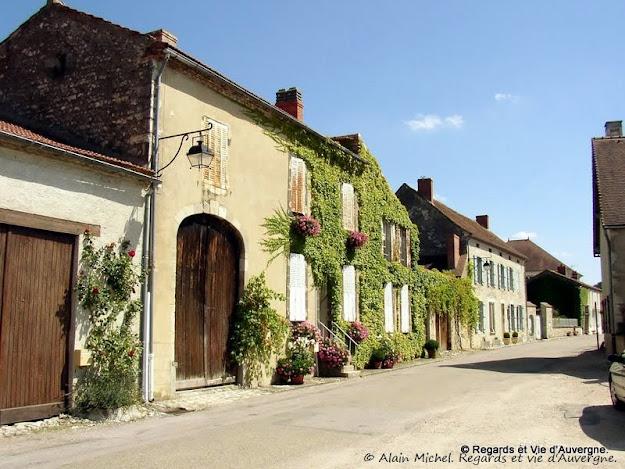 Charroux en Bourbonnais.