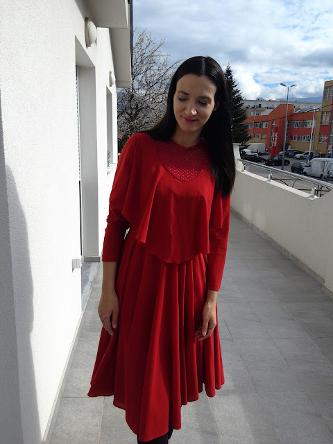 Transitional Outfit : How To Style a Red Vintage Dress