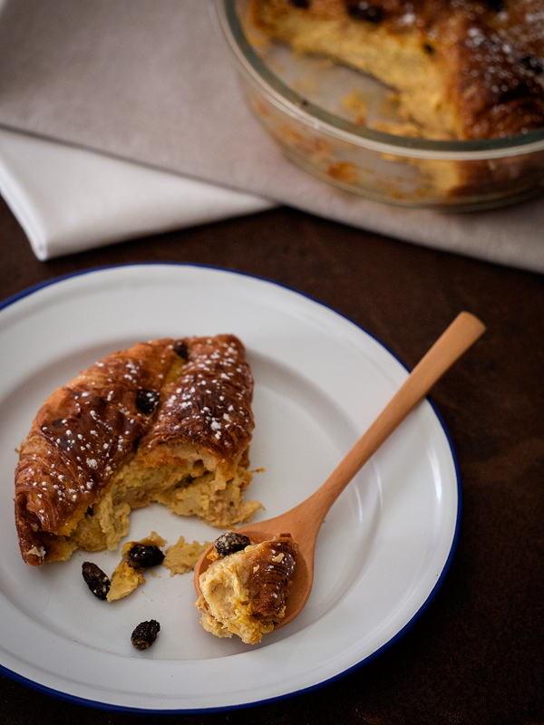 bread-and-butter-pudding-de-cruasanes