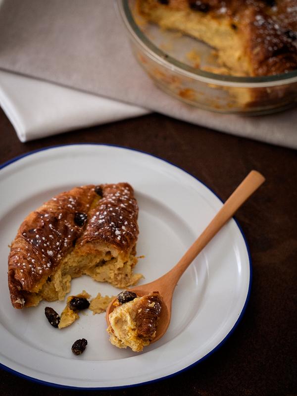 bread-and-butter-pudding-de-cruasanes