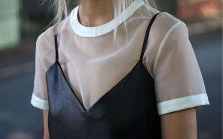 camisa de tule transparente