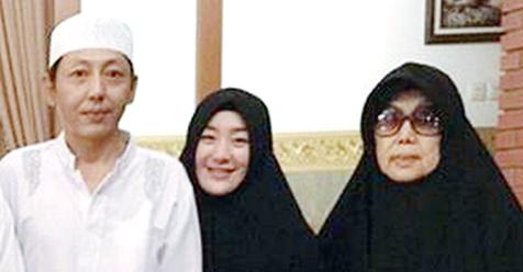 Tidak Hanya Larissa Chou, Ayah dan Neneknya Juga Mantap Bersyahadat dan Memeluk Islam