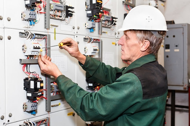 Tips Of Hiring Right Reliable Electrical Contractors And