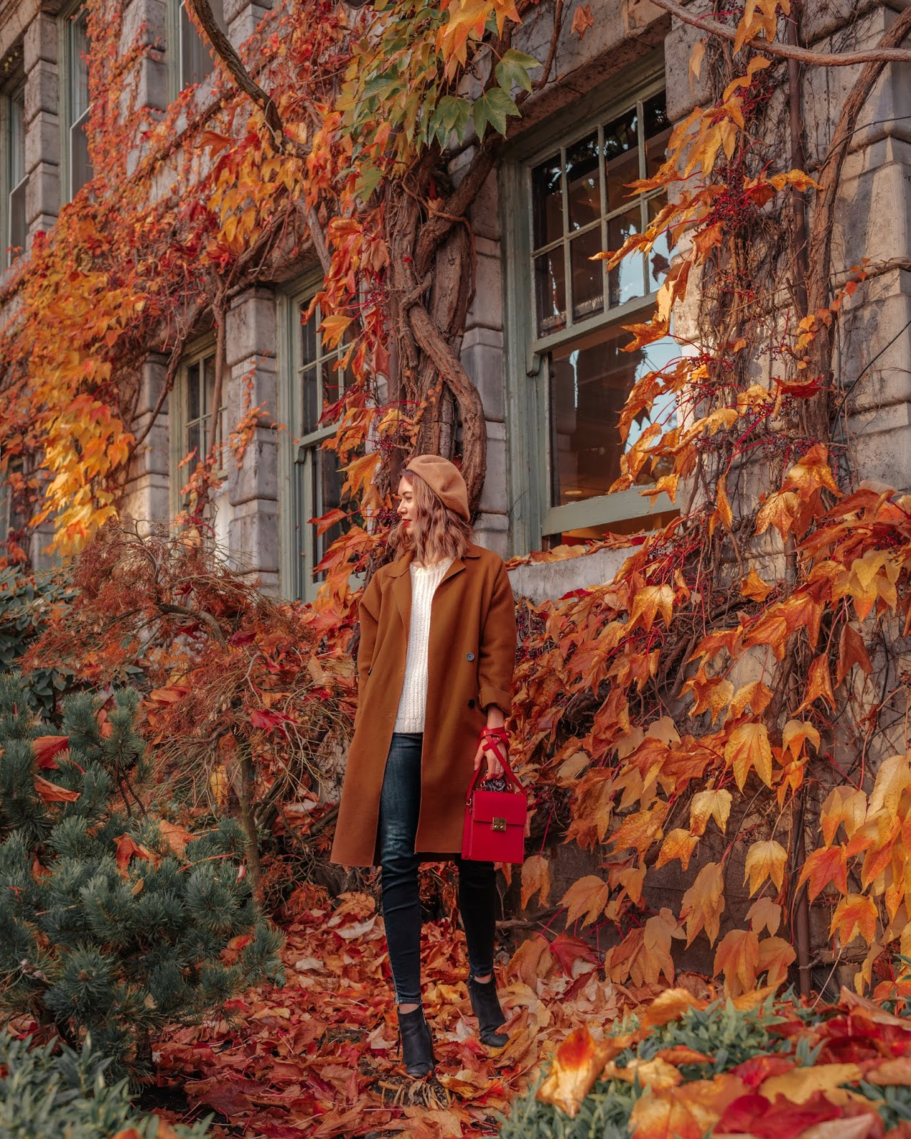 Camel tones, fall trends, fall 2018 trends, j brand, blondo booties, camel coat, beret, cozy outfit for winter, uniqlo, fall outfit, fall style, canadian style, canadian fashion blogger