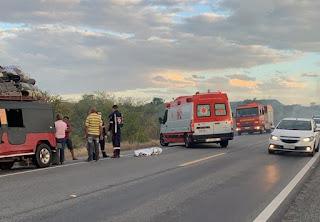 Homem morre após cair de caminhonete na BR-230; ele se assustou com fumaça na pista
