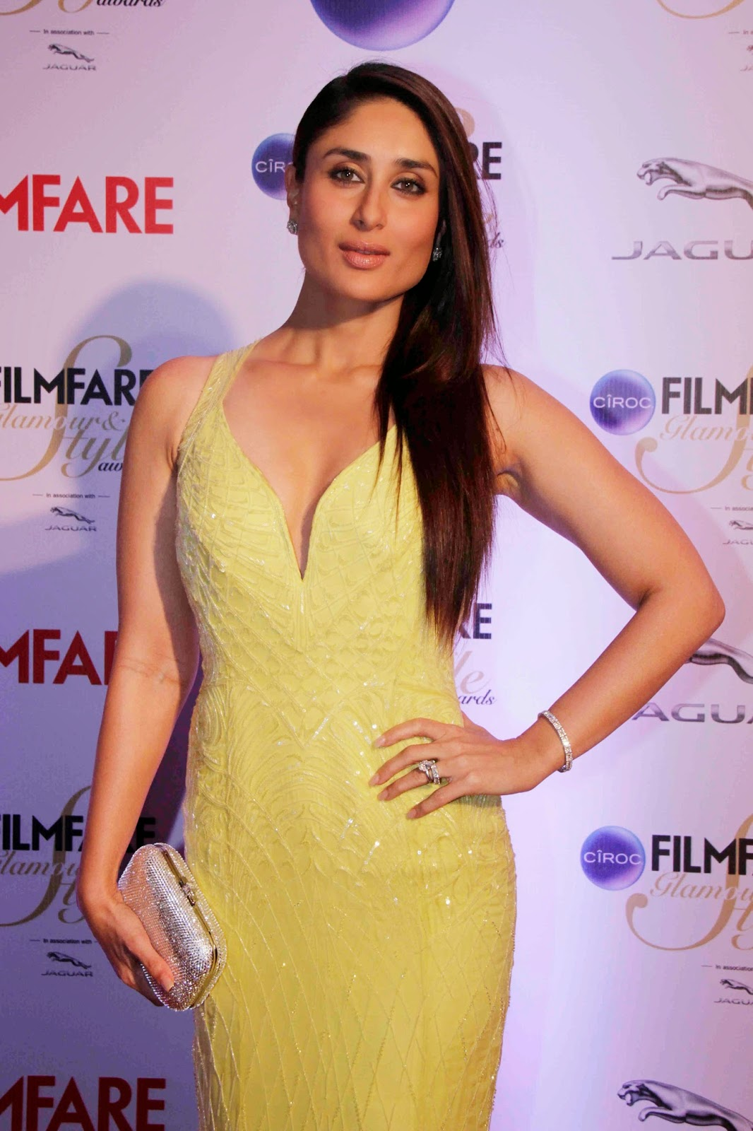 Kareena Kapoor Latest Spicy Hot Photos In Yellow Dress