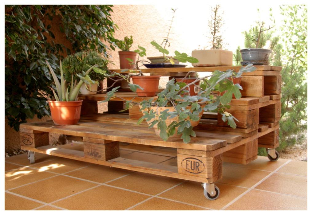 Grupo constructor c l muebles con material reciclado for Muebles para plantas