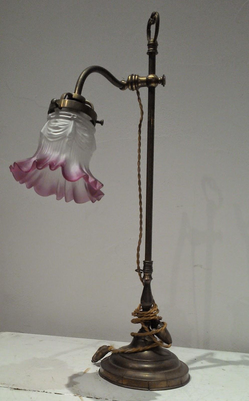 Extrêmement www.didoulabrocante.fr: Lampe de bureau liseuse tulipe verre  HU34