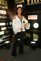 Isha Talwar Looks super cute at IIFA Utsavam Awards press meet 27th March 2017 64.JPG