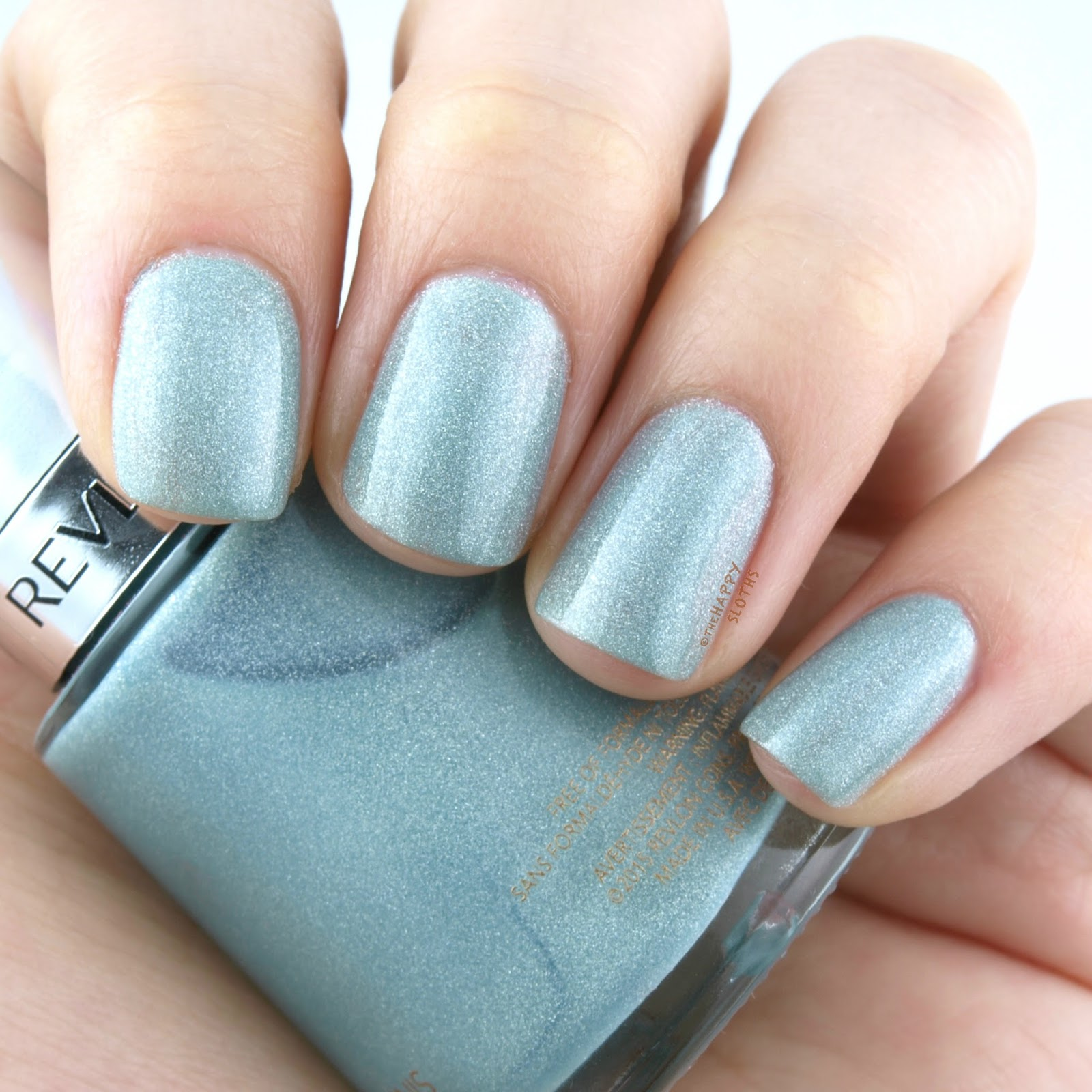 "Revlon Holochrome Nail Polish Collection in ""115 Fairy Dust"": Review and Swatches"
