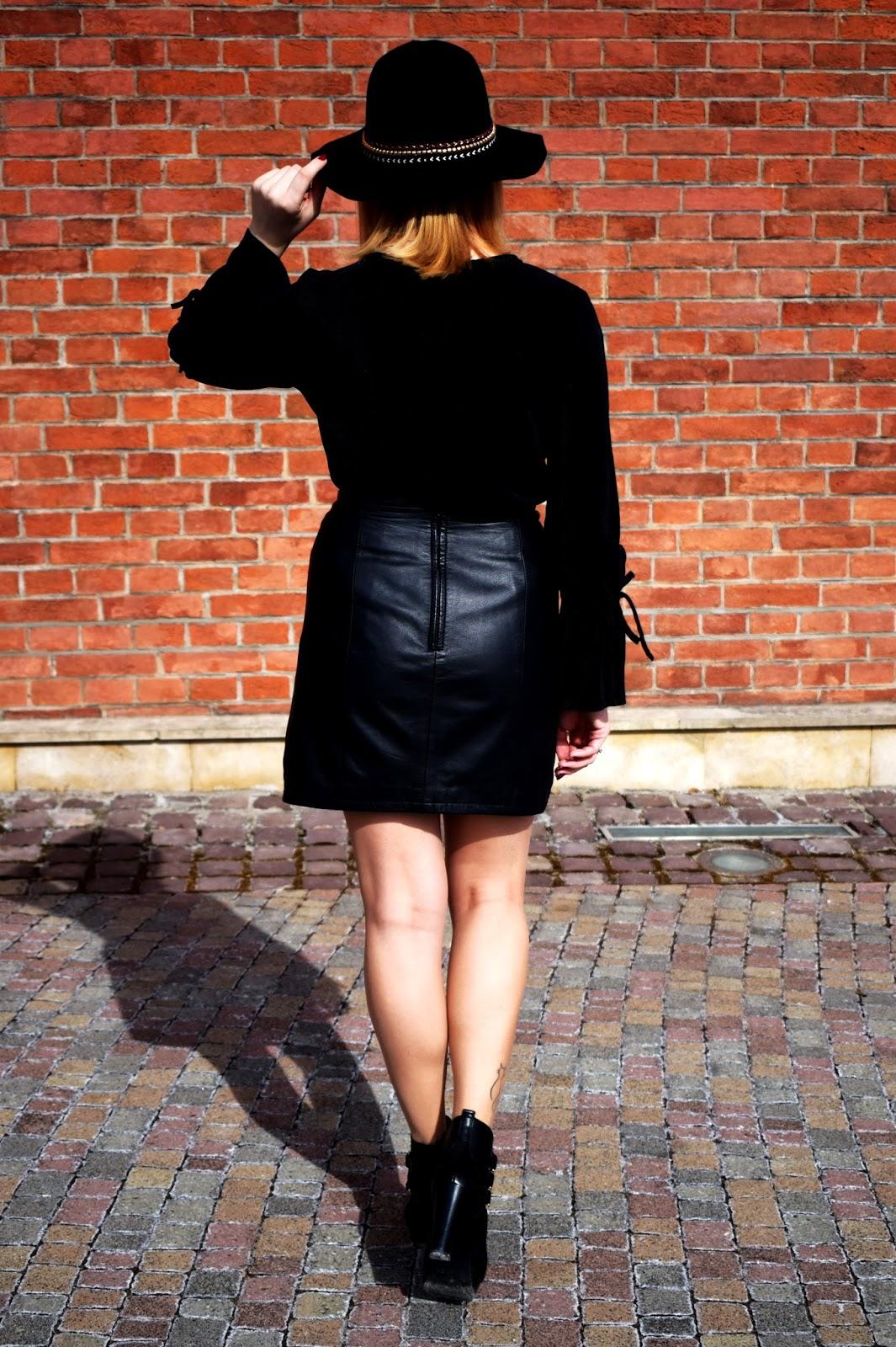 Codzienny look w kolorze czarnym