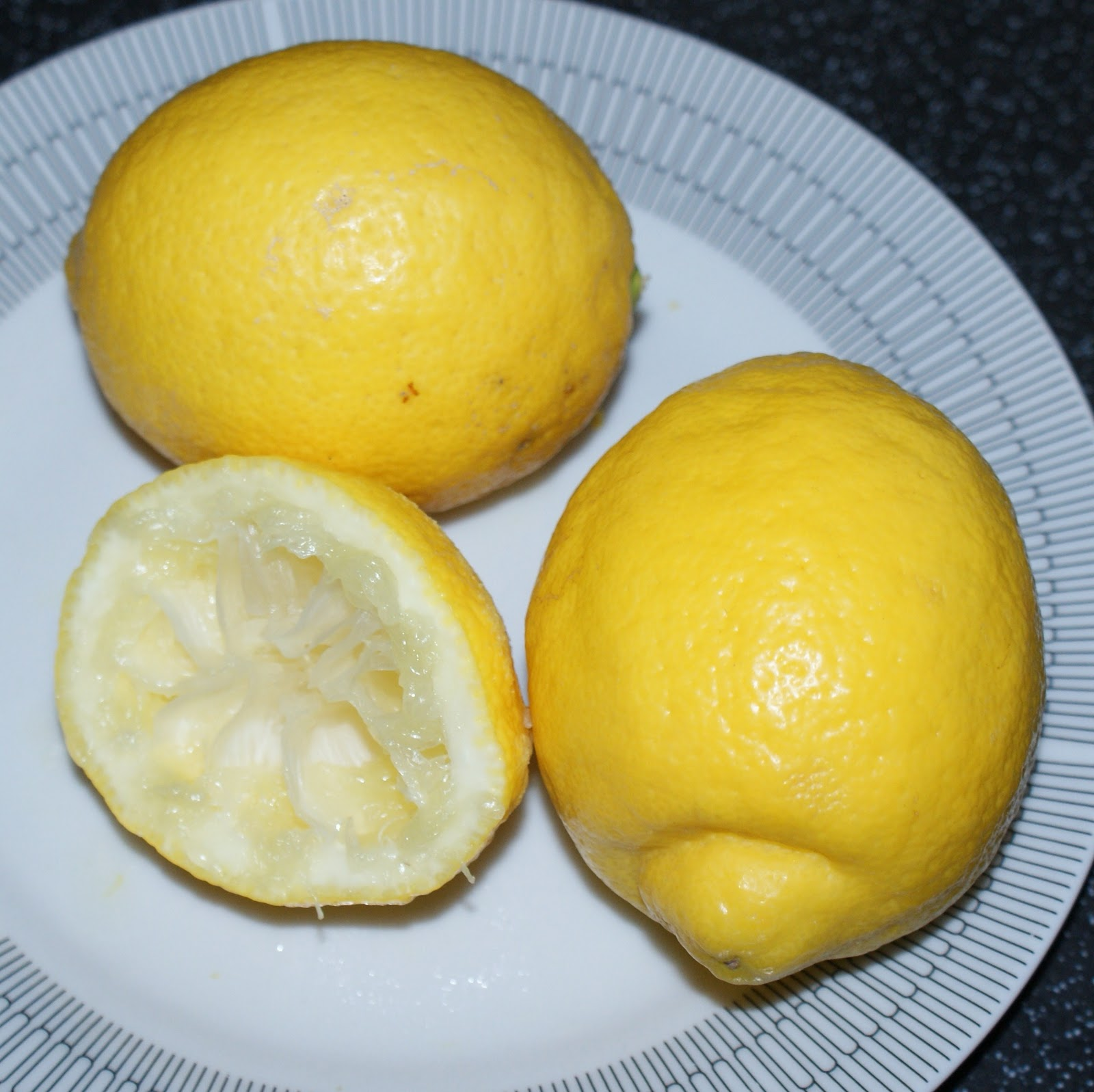 Mrs Post S Lemon Drizzle Cake