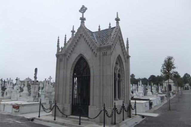 Mausoleo cemiterio Lugo