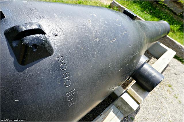 Peso de un Cañón en el Lower Battery del Fuerte McClary, Maine