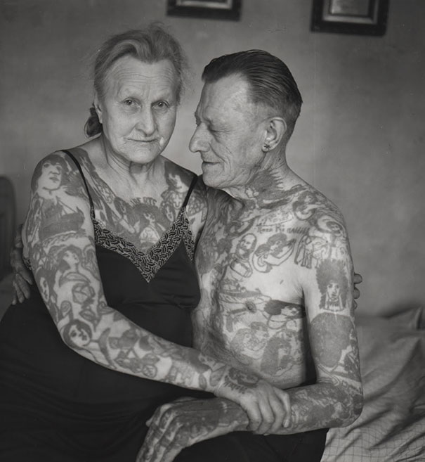 tattooed-elderly-people-10