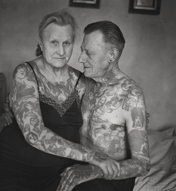 tattooed-elderly-people-10
