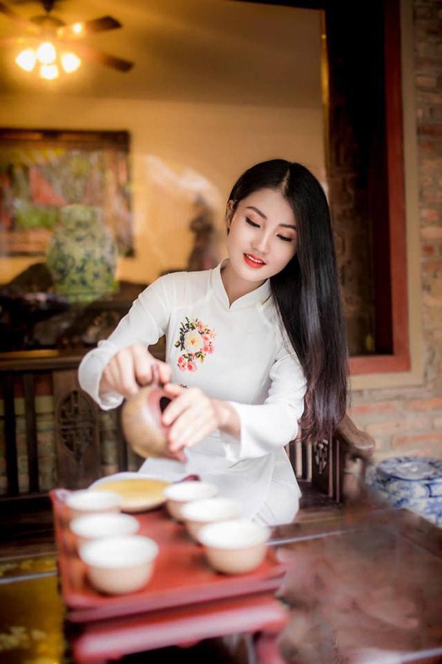 Hoa khôi ĐH Tài Nguyên Môi trường thướt tha trong tà áo dài trắng - Ảnh 5