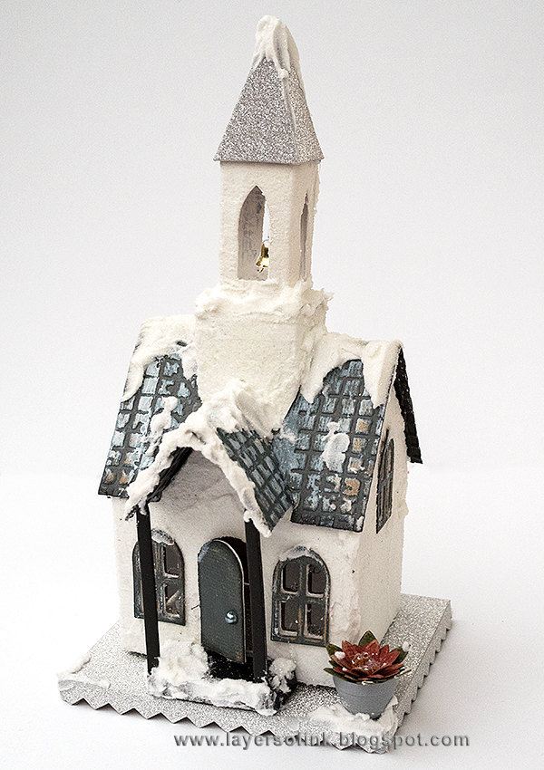 Layers of ink - Winter Church tutorial by Anna-Karin, with Tim Holtz Vintage Dwelling dies