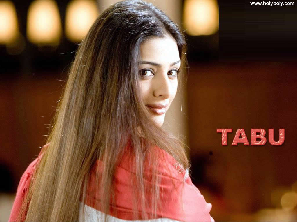 Tabu: Bollywood Actress Tabu Wallpaper
