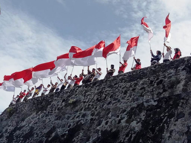 Kesultanan Ternate Titip Bendera Merah Putih kepada GP Ansor untuk Disampaikan ke Jokowi