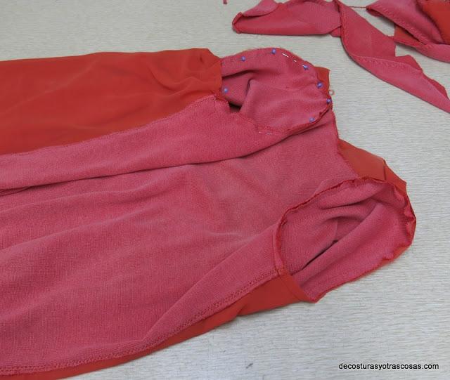 coser mangas en las sisas y sobrehilar