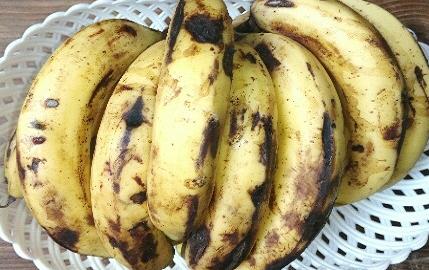 दही के साथ केला खाएं