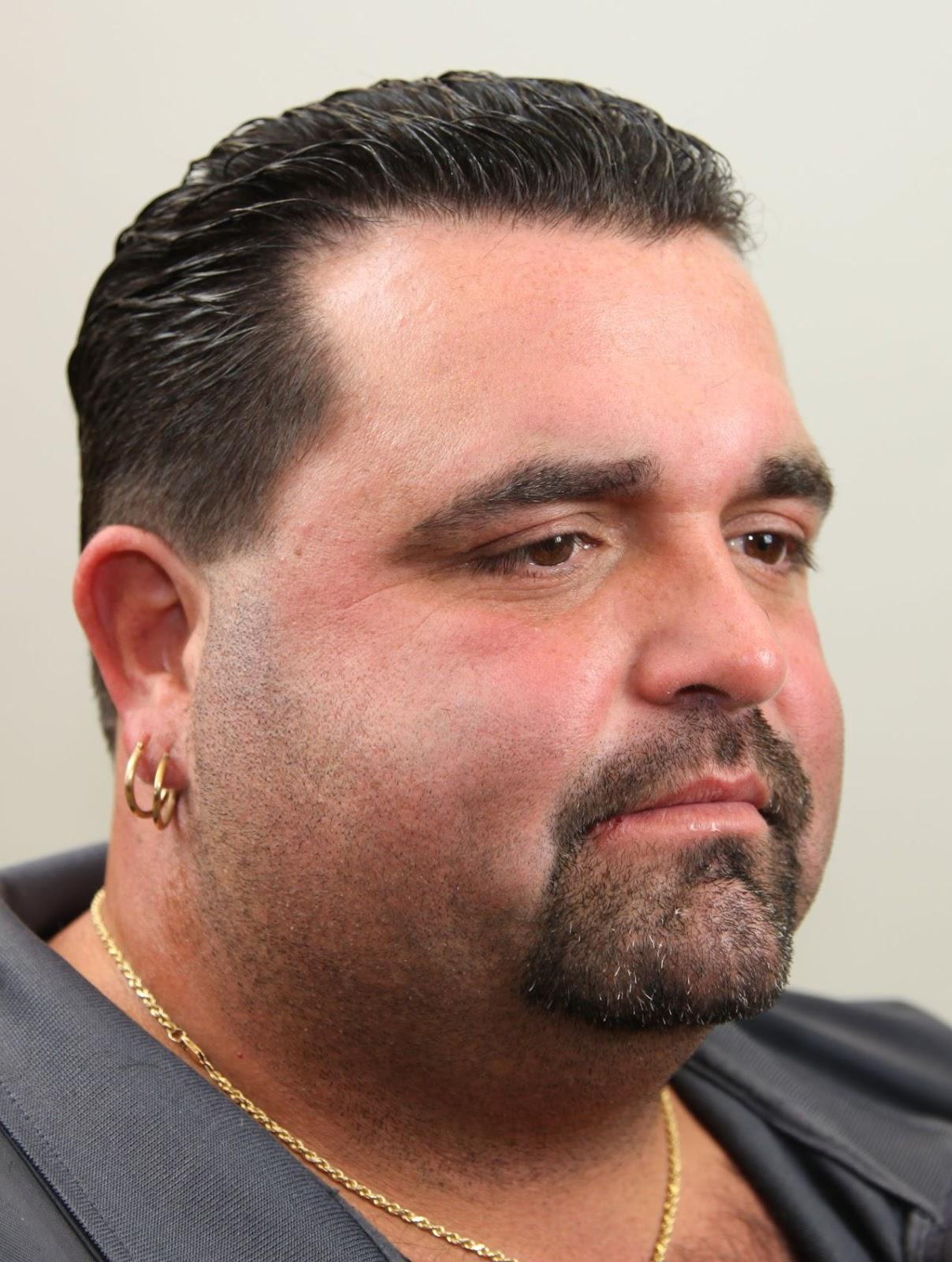 Model Rambut Maskulin Cocok Untuk Pria Gemuk Contoh Gaya Rambut - Gaya rambut pendek untuk wajah bulat pria