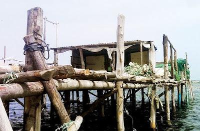 Nghề làm nhà chòi trên biển