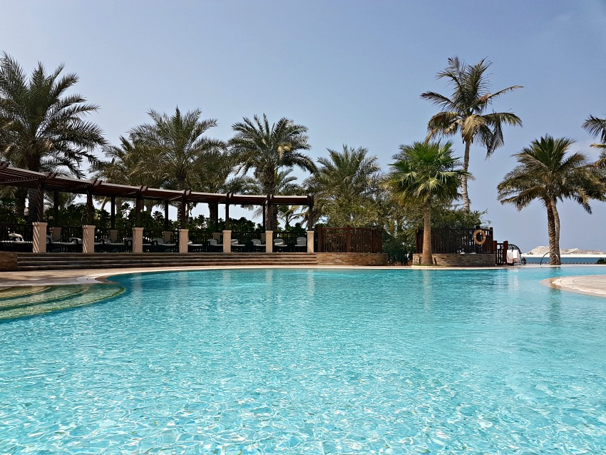 48 Hours in Dubai: Four Seasons Jumeirah Beach Swimming Pool