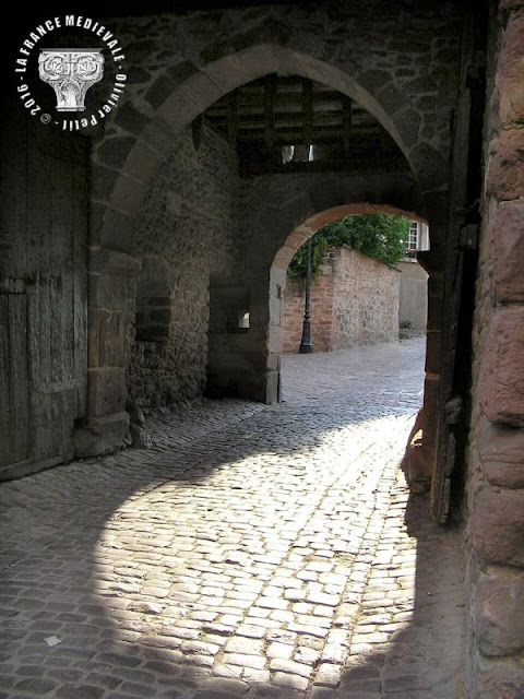 RIQUEWIHR (68) - Les fortifications