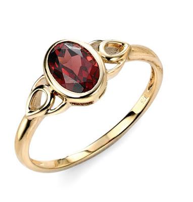 cincin tunangan artis