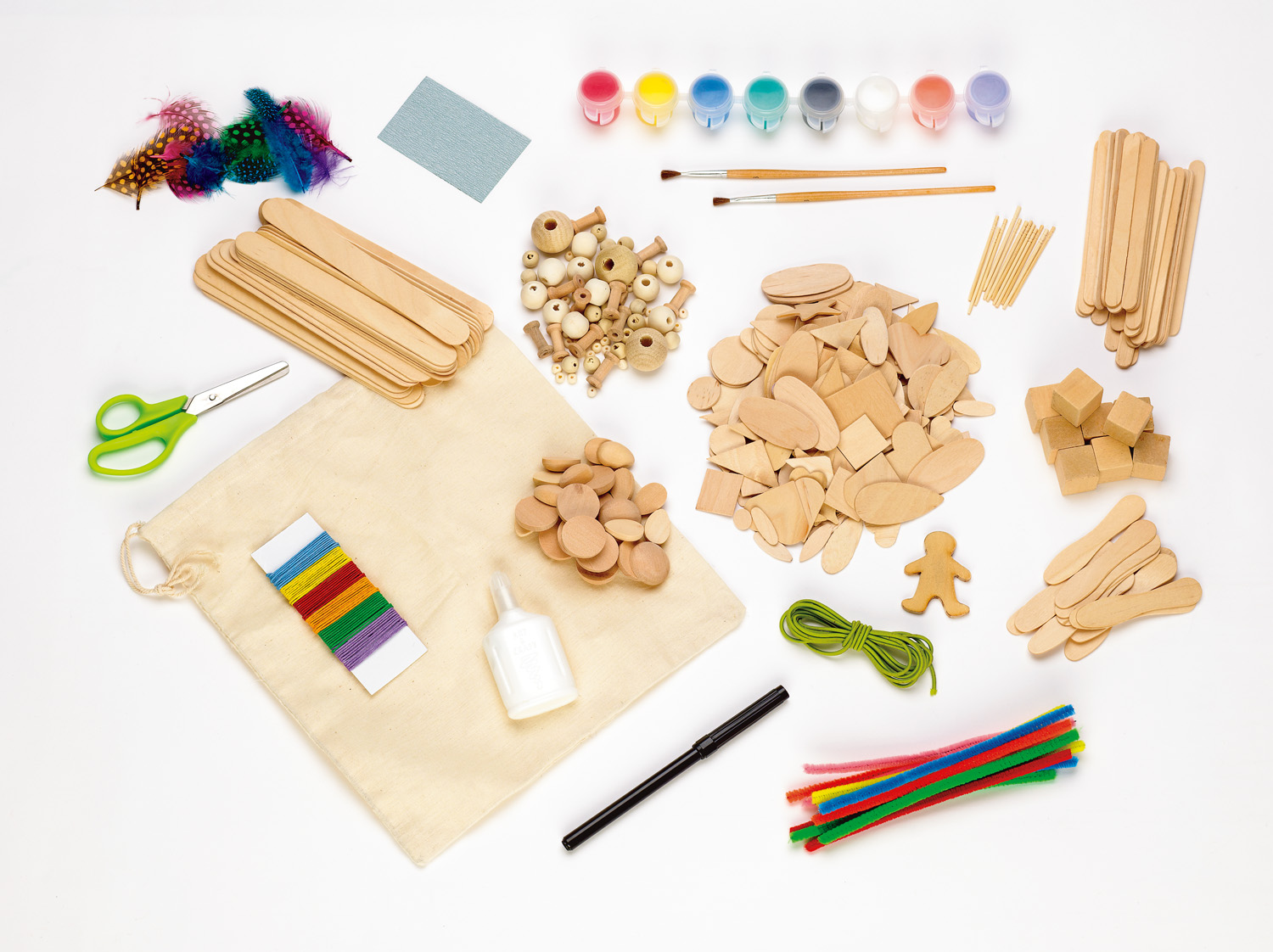 e0d27c16d What comes in the kit? · Jumbo wood craft sticks · Flat wood shapes ·  Cotton storage bag · Dimensional wood shapes · Assorted wood beads spools