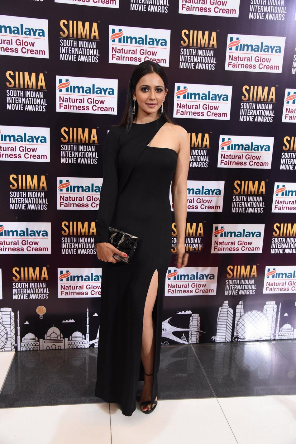 Rakul Preet Singh Spicy Photos at SIIMA Awards 2017