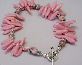 vintage pink bead bracelet