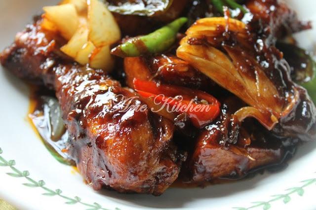 Ayam Masak Kicap Pedas Sedap Versi Kakak Neelofa