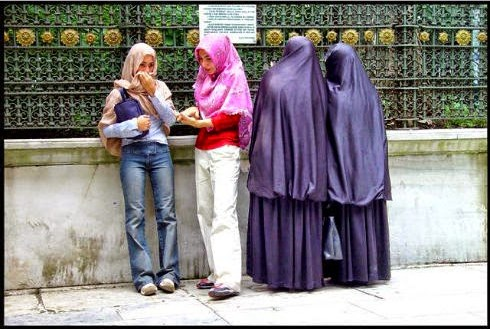 "Di Balik Jilbab ""Gaul"", Ini Dosanya"