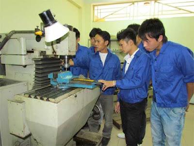 Tuyển lao động nam làm việc tại xưởng nhựa Hữu Mao Hưng ở Đài Trung (xuất cảnh tháng 11/2015)