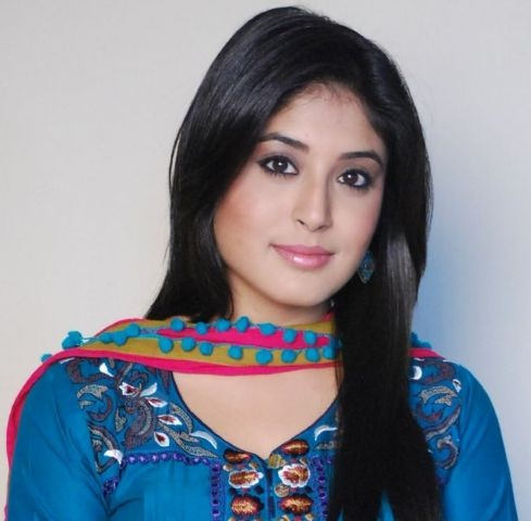 Kritika Kamra Latest HD Wallpapers, Pictures And Photos Gallery ❤