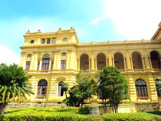 Fachada Esquerda do Museu Paulista - São Paulo
