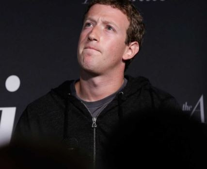 Mark Zuckerberg loses $5b as Facebook shares fall