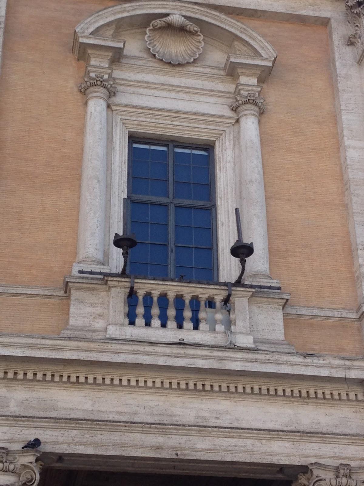 In bici per roma le finestre pi belle di roma8 - Le finestre roma ...
