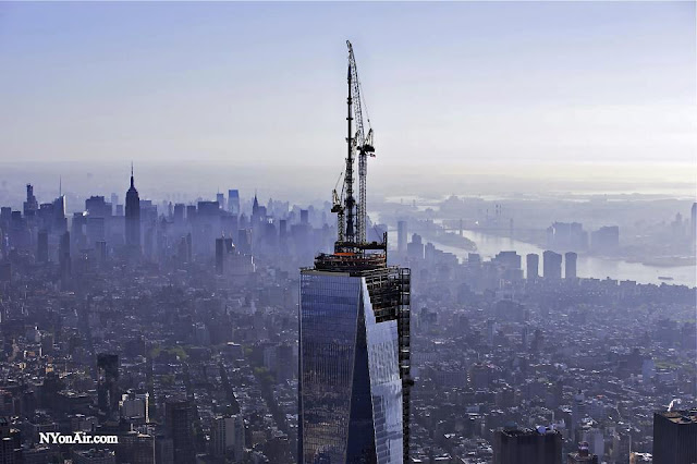 1WTC and Midtown Manhattan in the background
